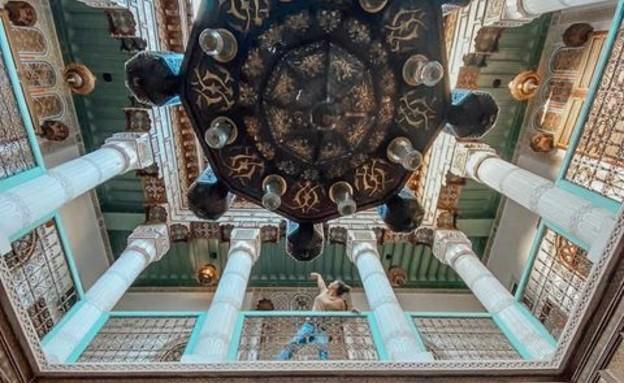 ריאד טיפוסי, ללון ביצירת אמנות (צילום: ליאת כהן רביב)