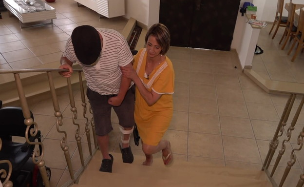 אירית קריספין, מחפשת מטפל לבעלה הסיעודי (צילום: חדשות 12)