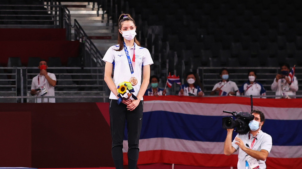 אבישג סמברג בטקס הענקת המדליה (צילום: reuters)