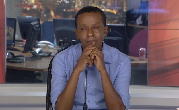 """ברהנו טגניה מספר על רוני דניאל ז""""ל (צילום: חדשות 12)"""