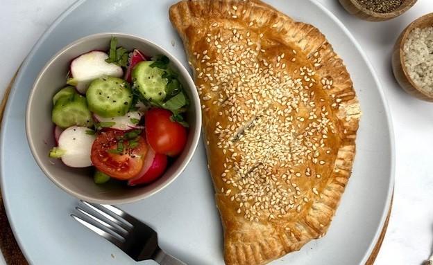 קלצונה פיצה (צילום: רון יוחננוב, אוכל טוב)