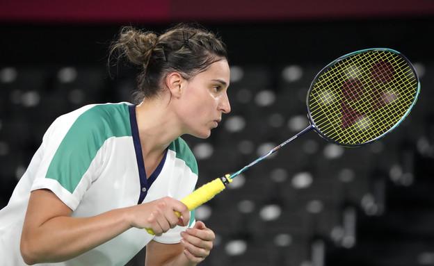 הישראלית קסניה פוליקרפובה בקרב כדור נוצה (צילום: AP)