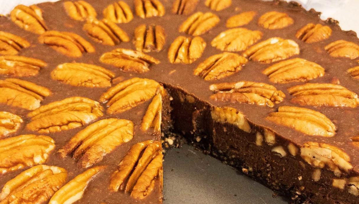 פאי שוקולד טחינה ופקאן