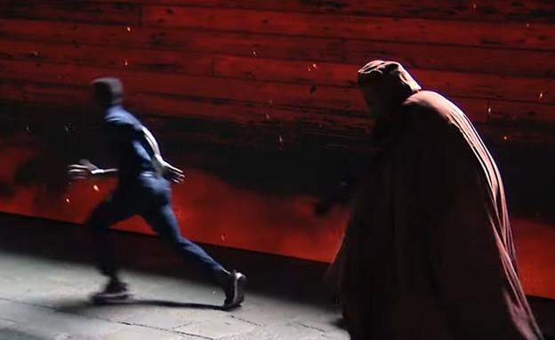 """תעלול היח""""צ ההזוי של נטפליקס (צילום: Netflix Italia, צילום מסך)"""