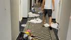 תיעוד: נערים הורסים מלון באילת  (צילום: צילום מסך, mako חופש)