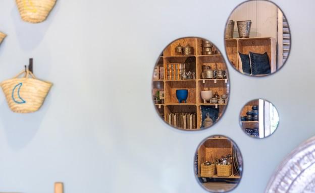 פרויקט מראות, מראה מושחרת, 89-399 שקל, דאר מרקש (צילום: רון שלף)