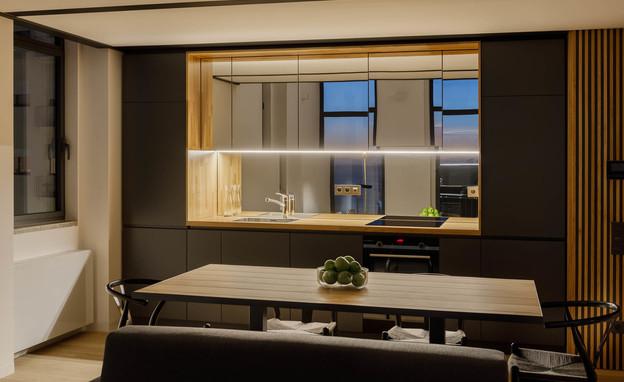 פרויקט מראות, מראת קיר במטבח, Architect Andrés Stebelski (צילום: ivo tavares studio)
