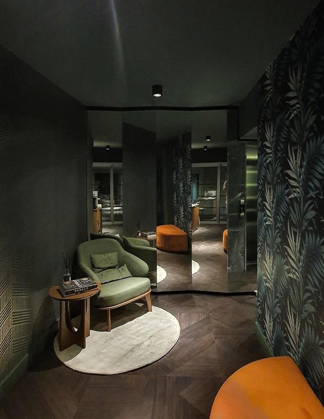פרויקט מראות, ג, מראה בלובי מלון בקפריסין, עיצוב כפיר גלאטיה-אזולא (צילום: כפיר גלאטיה-אזולאי)