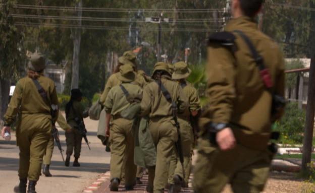 חיילים מתלוננים  (צילום: החדשות 12)