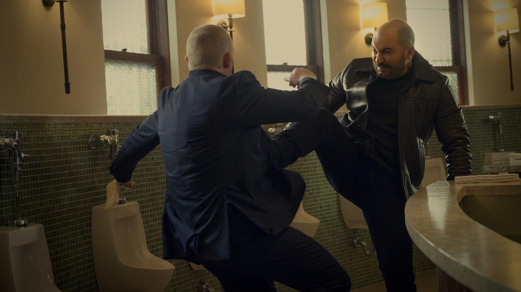 """ליאור רז, """"פגע וברח"""" (צילום: Jojo Whilden/Netflix, יחסי ציבור)"""