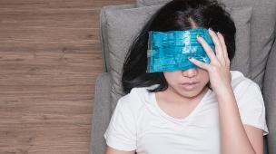 כאב ראש, מיגרנה (צילום: shutterstock by catinsyrup)