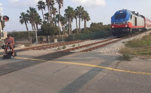 מפגינים במחאת הנכים חסמו את הרכבות בין חיפה לבנימי (צילום: דוברות קבוצת מחאת הנכים)