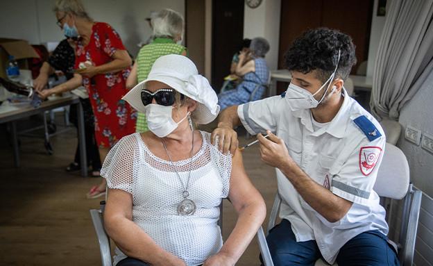 חיסונים (צילום: פלאש 90)