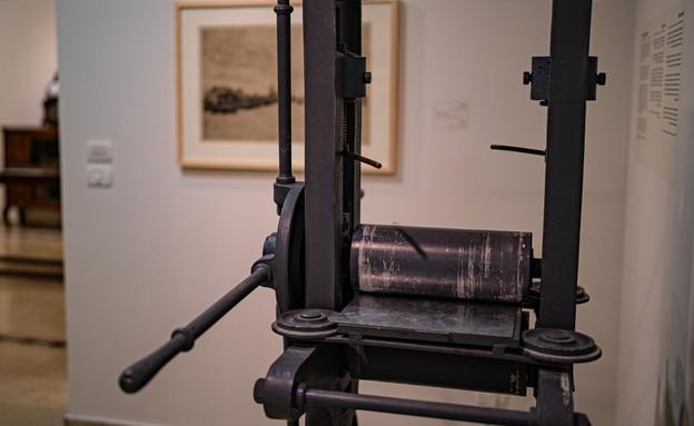 """תערוכת נפלאות הנייר במוזיאון הרמן שטרוק (צילום: יח""""צ)"""