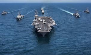 נושאת המטוסים וקבוצת הקרב (צילום: Z.A. Landers/U.S. Navy, GettyImages)