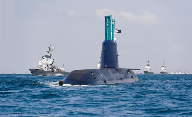 """הצצה אל תוך הצוללות הפועלות במעמקי הים (צילום: דובר צה""""ל)"""