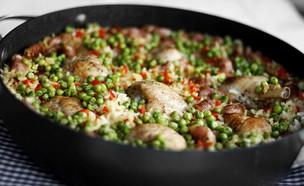 פאייה של עוף ונקניקיות צ'וריסו (צילום: אפיק גבאי, אוכל טוב)