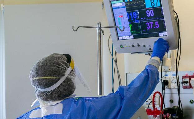 מחלקת הקורונה בבית החולים איכילוב (צילום: יוסי אלוני, פלאש 90)