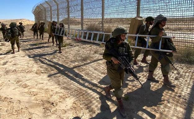 """הלוחמות בגבול (צילום: דובר צה""""ל )"""