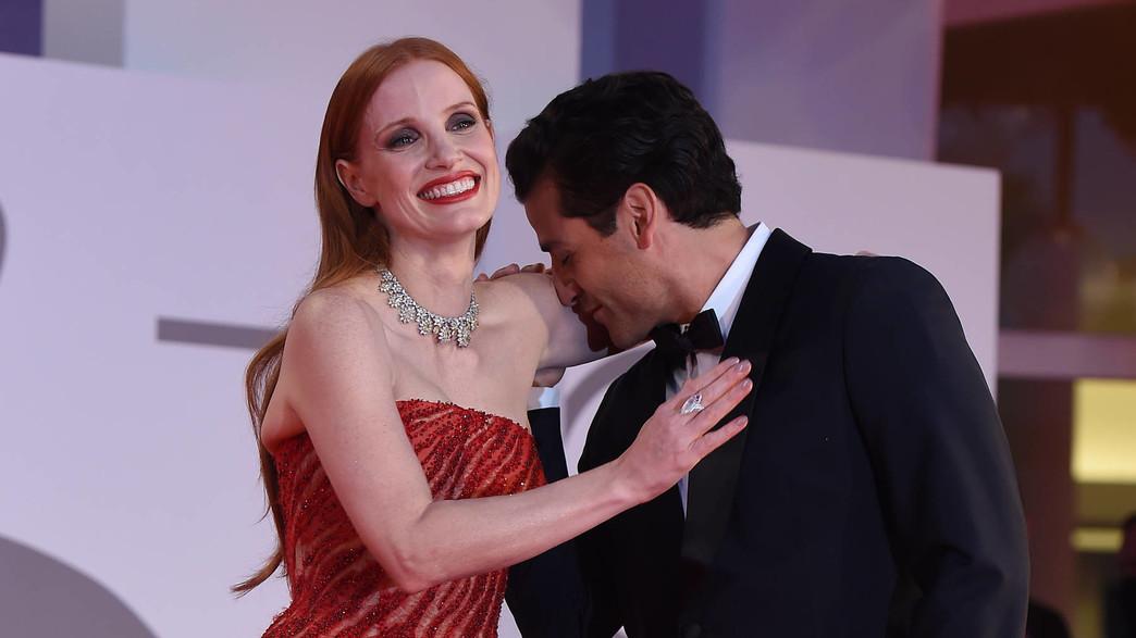 אוסקר אייזק וג'סיקה צ'סטיין בוונציה. מה לעזאזל (צילום: Stefania D'Alessandro/Getty Images)