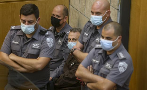 האסירים שנתפסו בהארכת מעצר בבית המשפט (צילום: דויד כהן, פלאש 90)