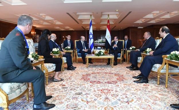 """פסגה בשארם א-שייח: בנט נפגש עם נשיא מצרים (צילום: לע""""מ)"""