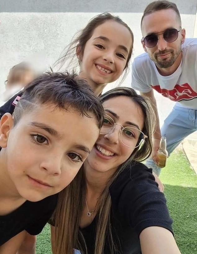 משפחתה של ענת פוני (צילום: צילום עצמי, באדיבות המצולמת)
