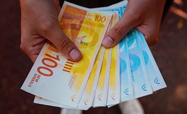 אם כבר לבזבז את הכסף שלכם, אז ביום הזה (צילום: Evgeniy pavlovski, shutterstock)