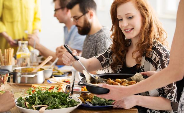 ארוחה מוגזמת (צילום:  Photographee.eu, shutterstock)