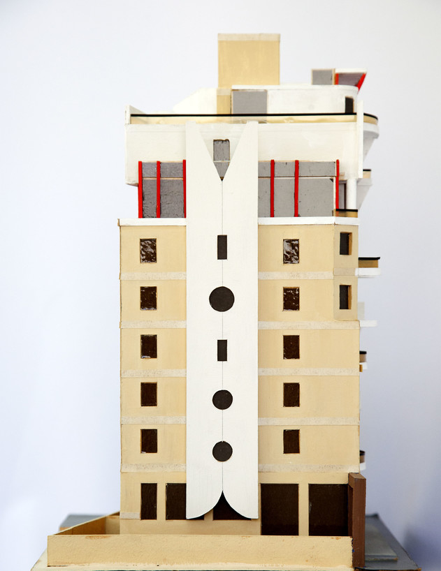 הבניין בטרומפלדור, ג, מודל משנת 1990 - 4 (צילום: טל ים)