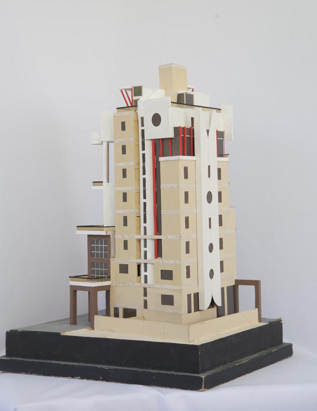 הבניין בטרומפלדור, ג, מודל משנת 1990 - 5 (צילום: טל ים)
