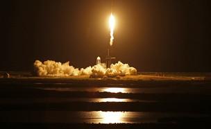 חללית ספייס אקס ממריאה (צילום: reuters)