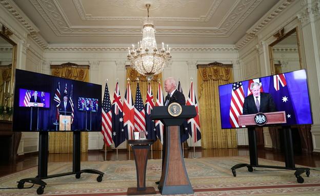 הנשיא ביידן וראשי הממשלה ג'ונסון ומוריסון (צילום: reuters)