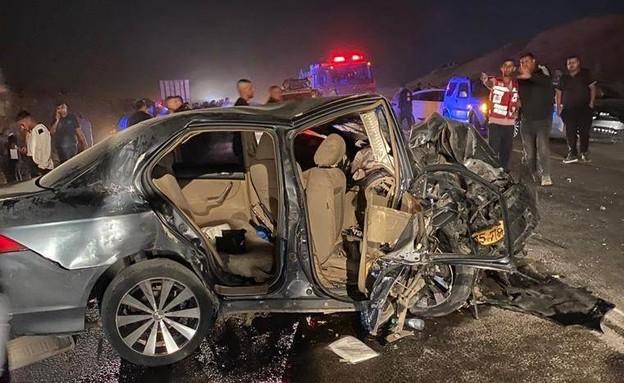 """זירת התאונה, ערערה (צילום: תיעוד מבצעי מד""""א)"""