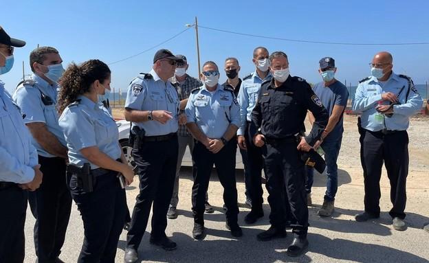 """מפכ""""ל המשטרה קובי שבתאי בזירת האירוע בנהרייה"""