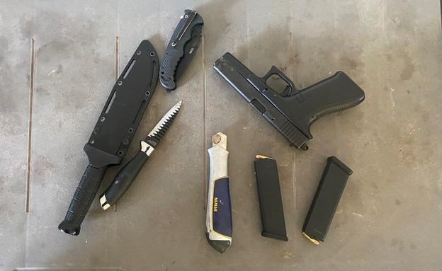 כלי הנשק בנתניה (צילום: דוברות משטרת ישראל)