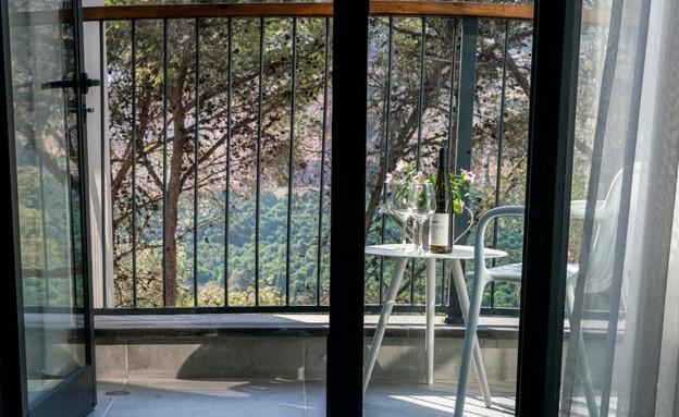 מרפסת נוף חדר דלקס נובל (צילום: סטודיו גולן)