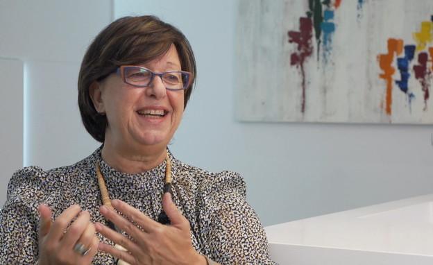 """ג'וליה זוהר, הבעלים ומנכ""""לית טחינה אל ארז (צילום: חדשות 12)"""