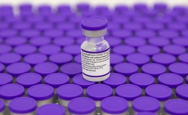 חיסון פייזר נגד קורונה (צילום: אוליביה פיטוסי , פלאש 90)