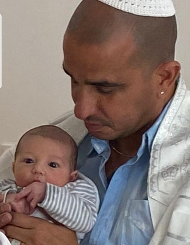 אבי אדרי עם בנו הטרי (צילום: אלבום משפחתי)
