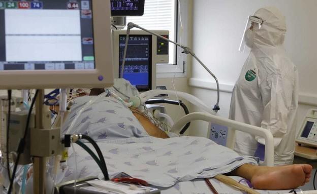 מחלקת טיפול נמרץ קורונה באיכילוב (צילום: איתן אלחדז, TPS)