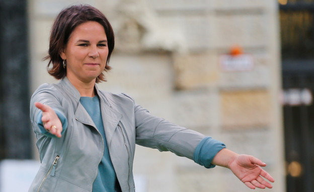 מועמדת הירוקים - לתפקיד הקנצלרית אנאלינה ברבוק (צילום: reuters)