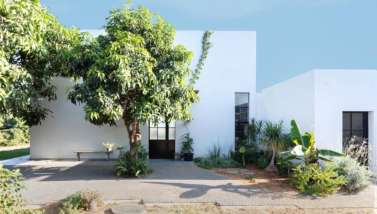 בית בשרון, עיצוב רון שנקין ואורלי מור, צילום הגר דופלט (21)