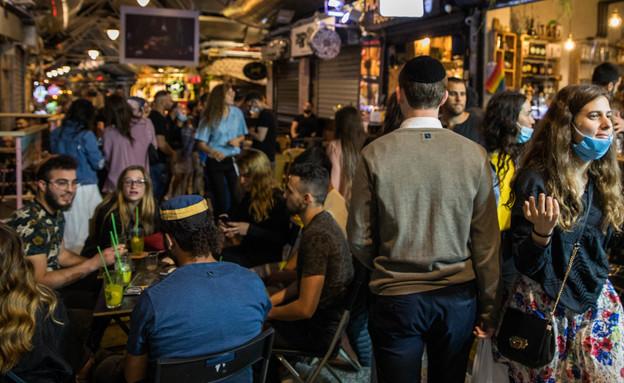 מסעדה בתקופת הקורונה (צילום: פיטוסי , פלאש 90)