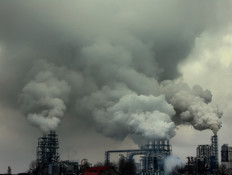מציפים את האוויר בעשן (צילום: Stock Exchange)