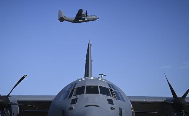 המטוס (צילום: Senior Airman Dennis Spain, U.S. Air Force)