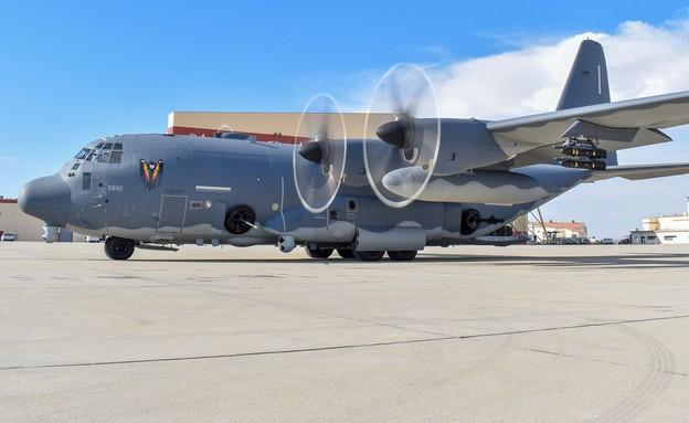 המטוס (צילום: U.S. Air Force)