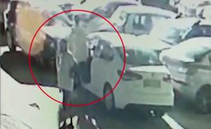 """התחזה לשומר בחניון וגנב רכב (צילום: מתוך """"חדשות הבוקר"""" , קשת 12)"""