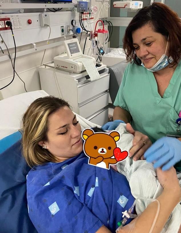 אביטל אלולו עם בתה ועם אמה, ויקי מצ'אלוב (צילום: באדיבות המצולמת)