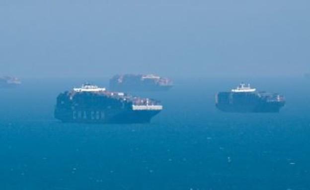אוניות תקועות בקליפורניה
